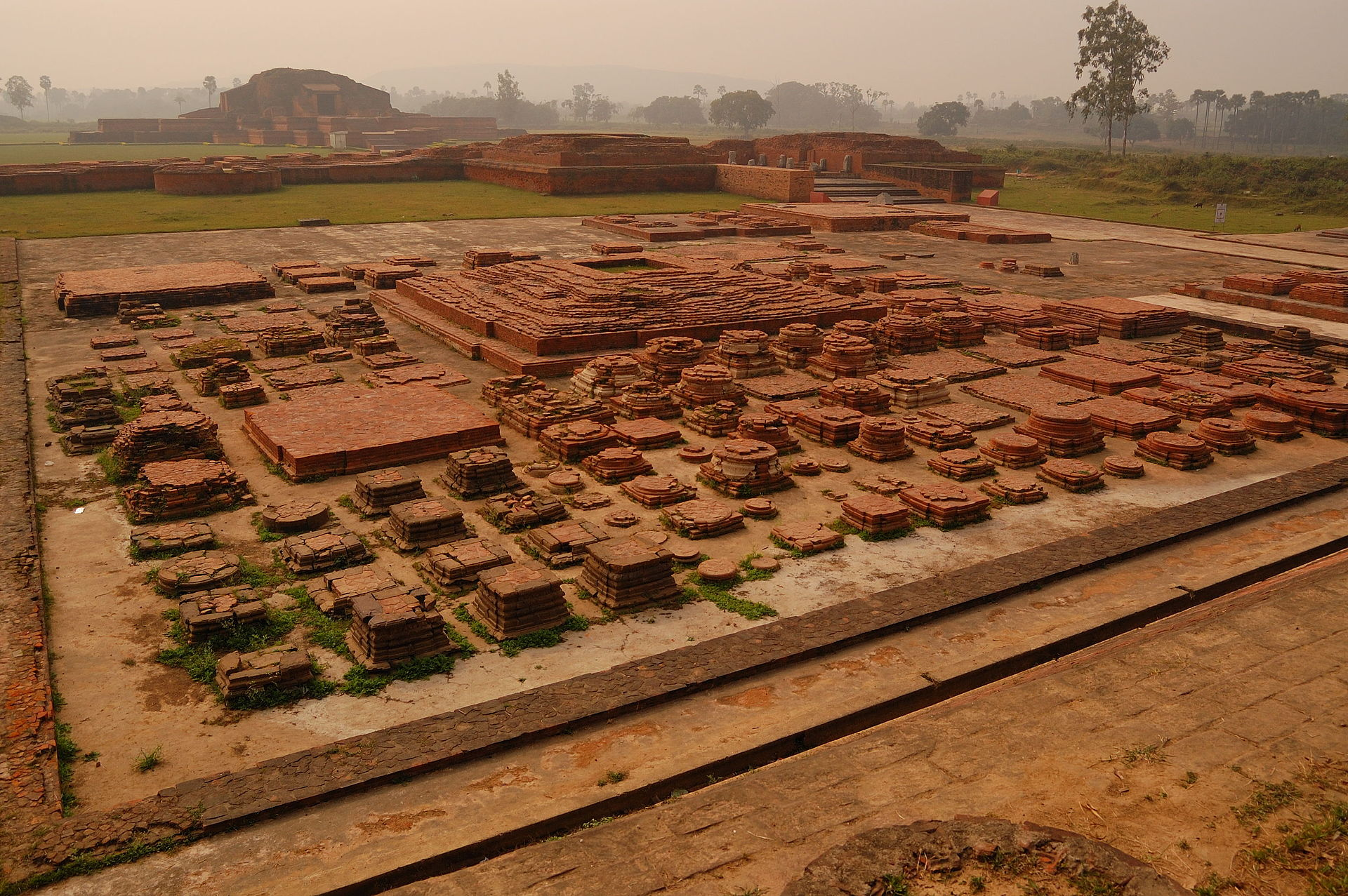 The landscape of the Vikramshila remains https://upload.wikimedia.org/wikipedia/commons/b/b3/VikramshilaRuins.jpg